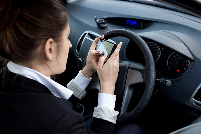 Are Social Media Apps Responsible for Today's Distracted Driving Accident?